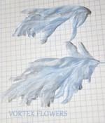 Буление листиков и лепестков на сложенной ткани