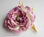 Роза из фоамирана почти в японской технике цветоделия